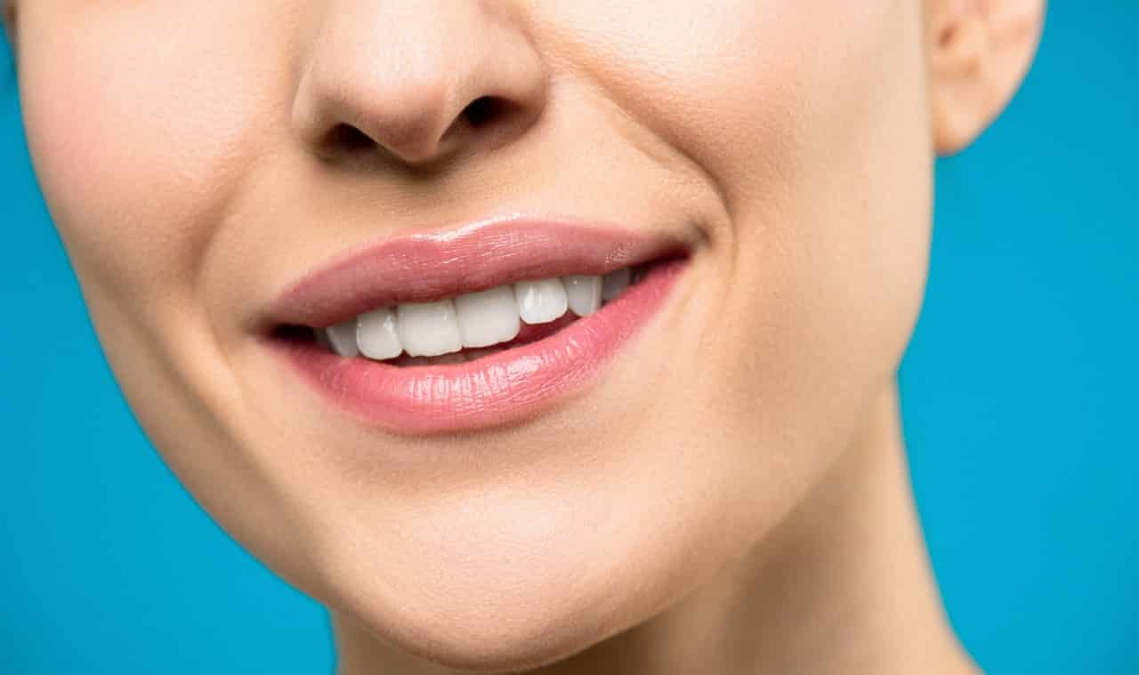 how to get rid of yellow teeth at home